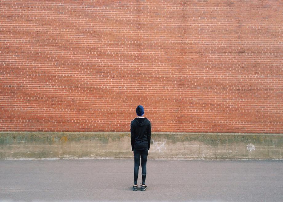 la timidezza è un muro alto